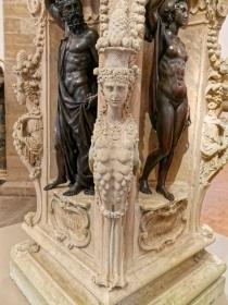 Detail Perseussockel Benvenuto Cellini-Bargello Florenz