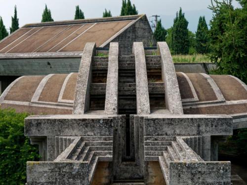 Tomba Brion Grabstätte außen