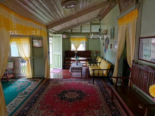 Villa Sentosa Malakka innen